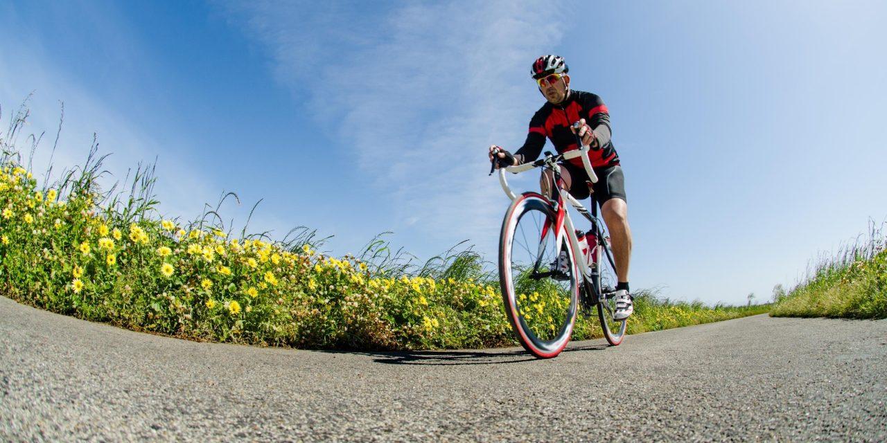 Sporten bij warm weer: wat eet of drink je voor, tijdens of na de inspanning?